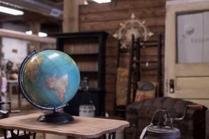 Dutch Lady Antiques Globe