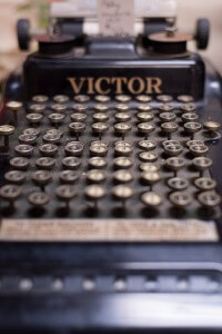 Dutch Lady Antiques Typewriter