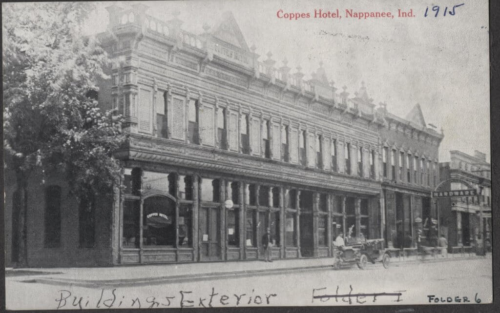 coppes hotel with car